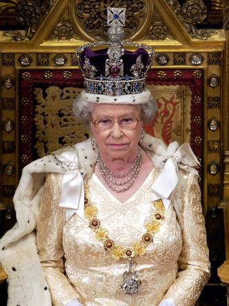 Фото №3 - Сокровища Короны: кто унаследует драгоценности Ее Величества (не все так просто)