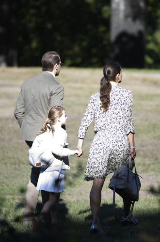 Фото №7 - Как принцесса Эстель провела свой первый день в школе