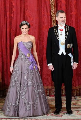 Фото №31 - 15 примеров, когда королевские особы надевали одно и то же вечернее платье несколько раз