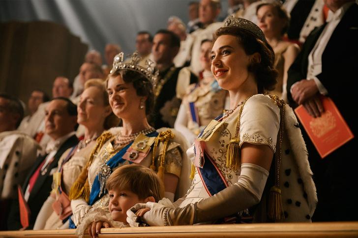 Фото №14 - От свадебных платьев до роскошных мехов: какие образы Виндзоров повторили в сериале «Корона»