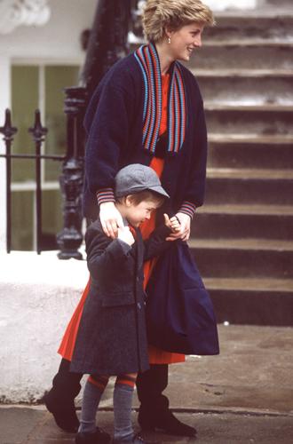 Фото №14 - История в фотографиях: какой мамой была принцесса Диана
