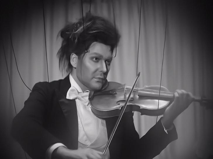 Фото №1 - Линдеманн со скрипачом Гарреттом и еще 10 клипов недели