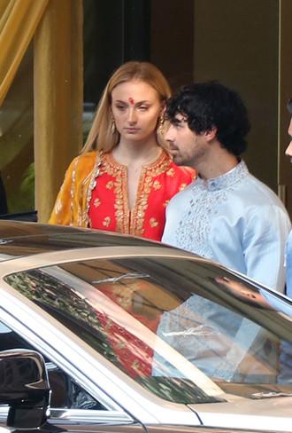 Фото №4 - 10 фактов о впечатляющей свадьбе Приянки Чопры и Ника Джонаса