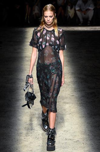 Фото №5 - 13 трендов весны (и лета) с показов Недели моды в Нью-Йорке