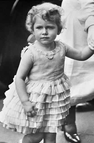 Фото №15 - Ее мини-Величество: феноменальное сходство принцессы Шарлотты с Елизаветой II