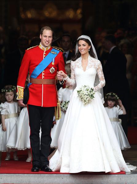 Фото №20 - Самые знаменитые свадебные платья Виндзоров: неудачные, смелые и даже бодипозитивные