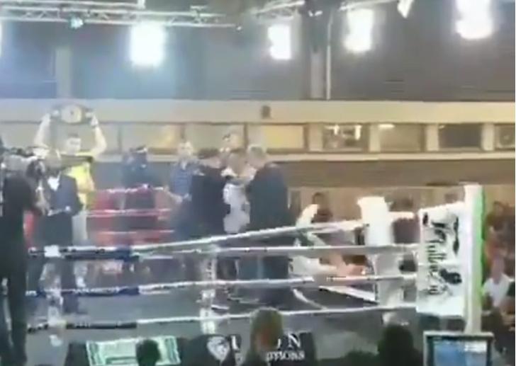 Фото №1 - Курьез дня: боксер-чемпион свалился с ринга, так что бой пришлось отменить (видео)