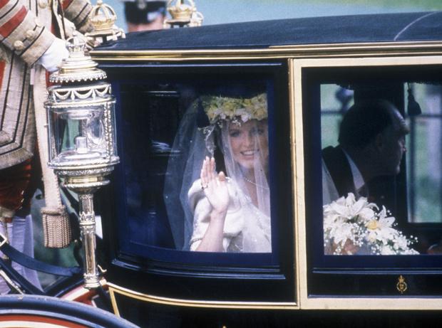 Фото №2 - Назад в прошлое: самый трогательный момент свадьбы Сары Фергюсон и принца Эндрю