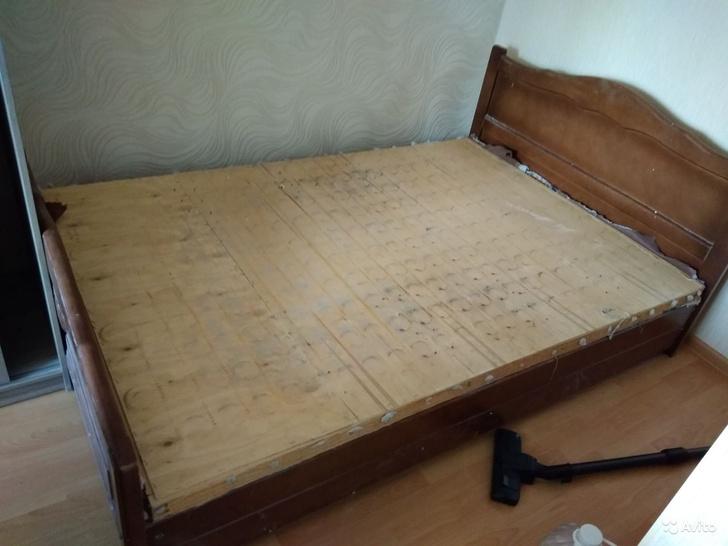 Фото №2 - Кровати, которые стыдно продавать: 20 реальных фото