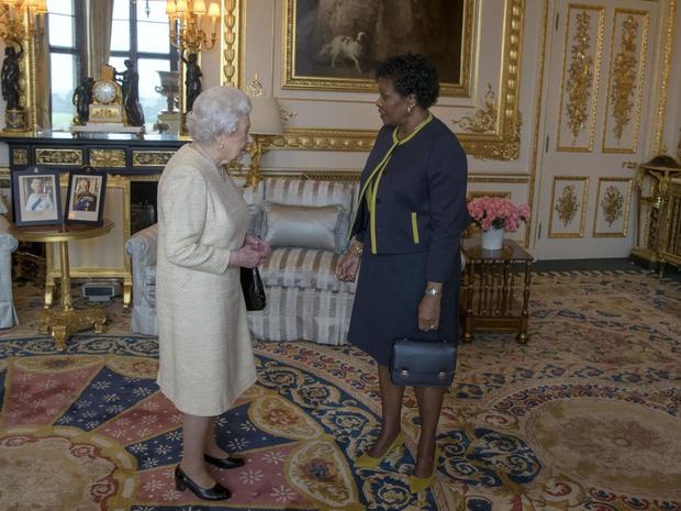 Фото №2 - Прощай, монархия: почему одна из стран Содружества отказывается от власти Елизаветы II