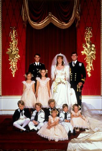 Фото №5 - Предчувствие беды: что пошло не так на свадьбе Сары Фергюсон и принца Эндрю