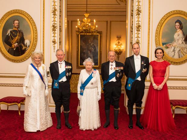 Фото №4 - Супруги монархов: почему Филипп так и остался принцем, а Кейт станет королевой