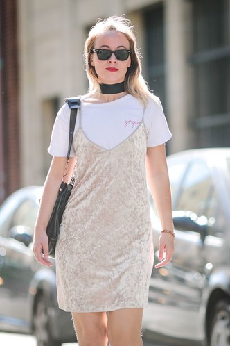 Фото №10 - С чем носить белую футболку: 10 простых и стильных образов