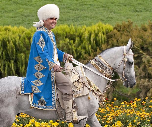Фото №4 - Ким Чен Ын заехал на коне на священную гору, и эти фотографии обещают стать молниеносным мемом