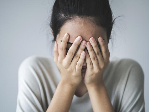 Фото №1 - Репутация или деньги: что делать, если вас шантажируют интимными фотографиями