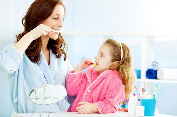 Фото №1 - 7 способов приучить маленького «нехочуху»  чистить зубы