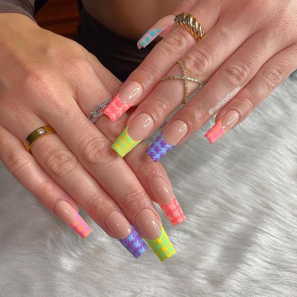 Фото №31 - Позалипать и вдохновиться: 45 крутых идей маникюра для длинных ногтей 💅
