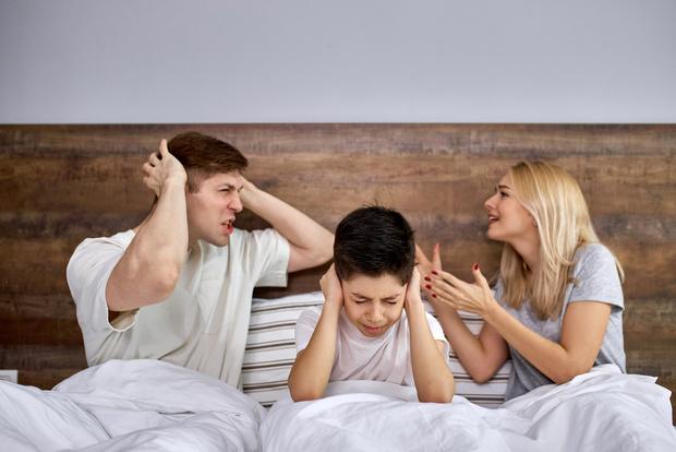 Фото №1 - 3 вещи, которые нельзя говорить ребенку после развода