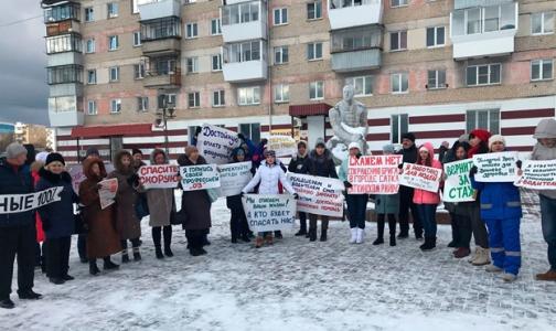 "Фото №1 - Волну протестов врачей ""перехватили"" водители скорой помощи"