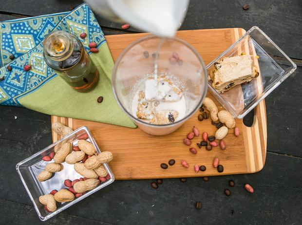 Фото №8 - Мятный, десертный, газированный: три рецепта холодного кофе для жаркого лета
