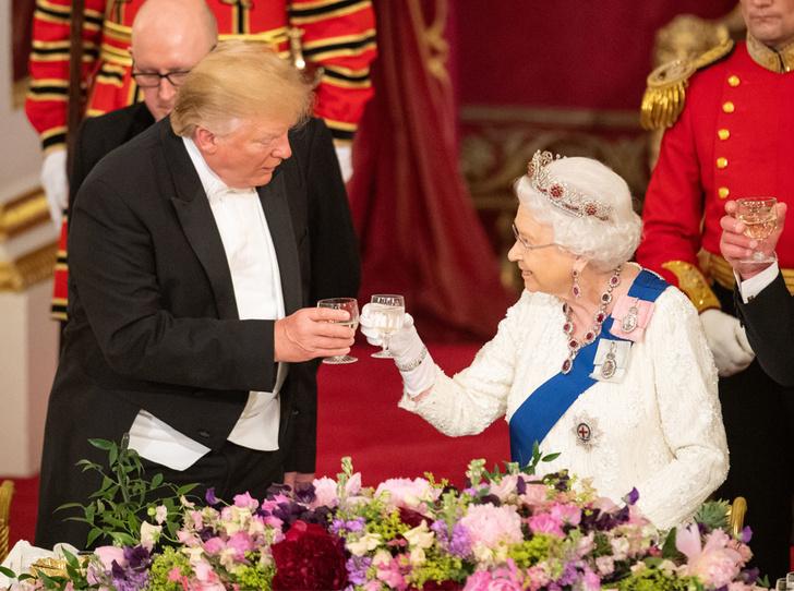 Фото №2 - Какой промах допустил Трамп на королевском приеме в Букингемском дворце