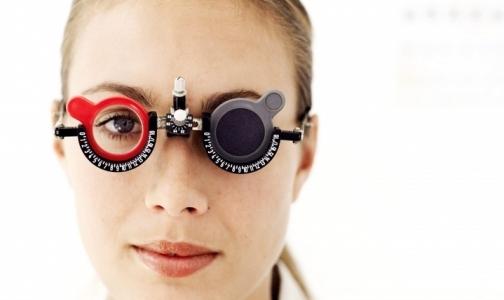 Фото №1 - Почему непросто попасть к офтальмологу?