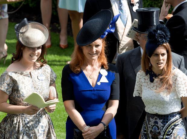 Фото №3 - Как принцессы Евгения и Беатрис справляются с последствиями скандала вокруг Эндрю