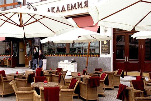 Фото №5 - Топ-6 кафе с летними верандами