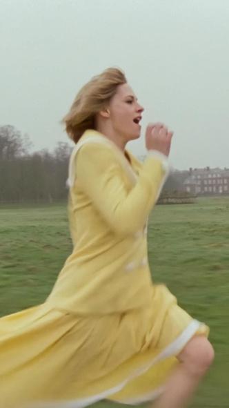 Фото №12 - Подражая Диане: наряды Кристен Стюарт в роли принцессы Уэльской