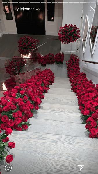 Фото №1 - Love is: Трэвис Скотт устроил для Кайли Дженнер романтический сюрприз