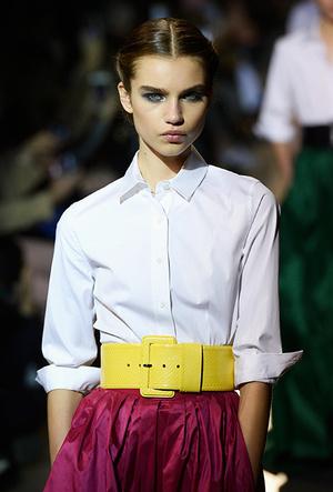 Фото №7 - Как носить блузку в холода: мастер-класс от Carolina Herrera