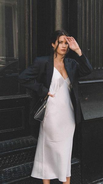 Фото №4 - С чем носить платье-комбинацию: модные идеи на лето и осень 2021