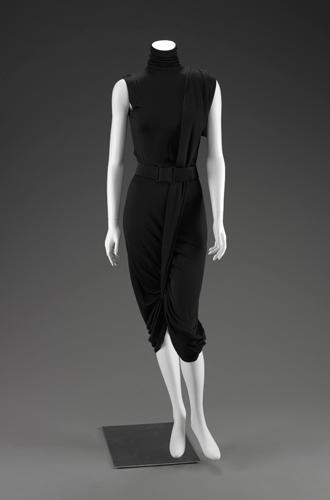 Фото №8 - Единое целое: как носить модные комбинезоны