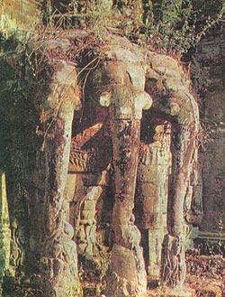 Фото №2 - Ангкор: спасительный плен