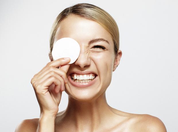 Фото №1 - Только спокойствие: новые правила очищения для чувствительной кожи