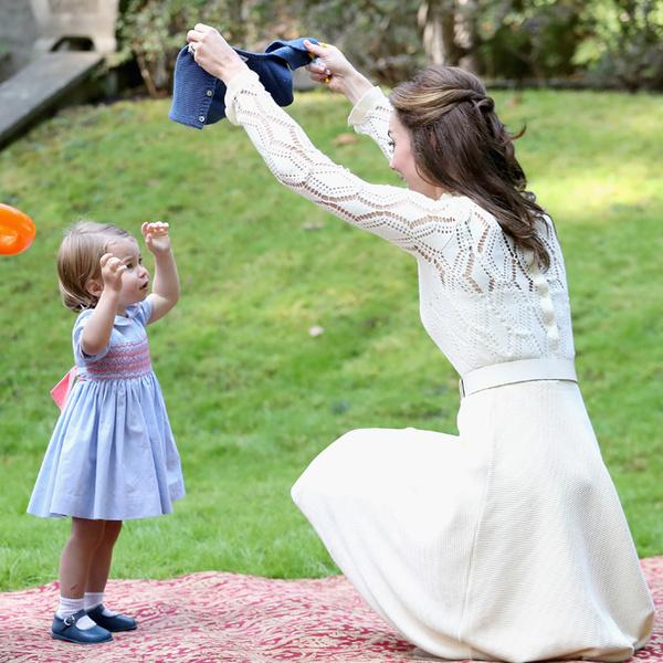 Фото №31 - Самые трогательные моменты из жизни герцогини Кембриджской в 2016 году