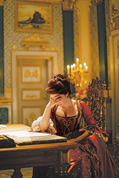 Фото №3 - «Так приятно быть императрицей»: Марина Александрова о роли Екатерины II