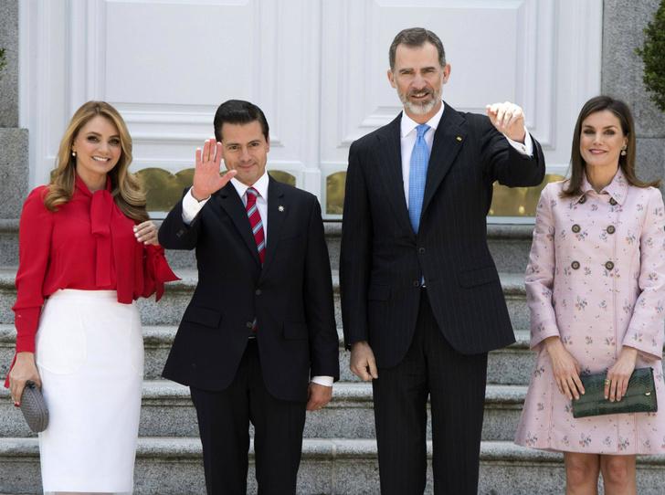 Фото №4 - От короля Испании требуют извинений