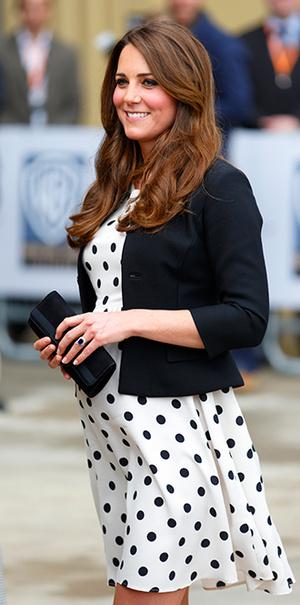 Фото №22 - В модном положении: две беременности герцогини Кембриджской (сравним?)