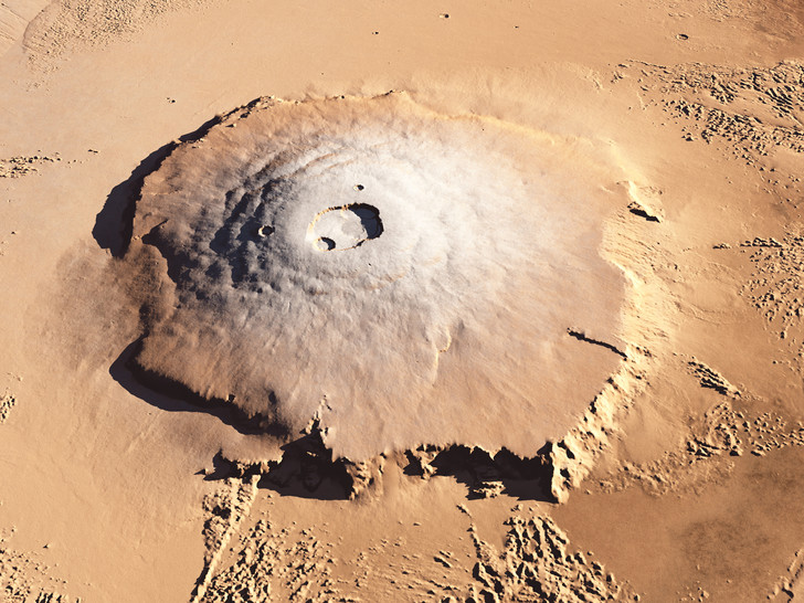 Фото №1 - На Марсе обнаружены залежи льда