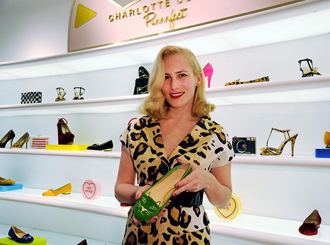 Фото №45 - Обувные бренды звезд, часть 1: Christian Louboutin, Jimmy Choo, Charlotte Olympia