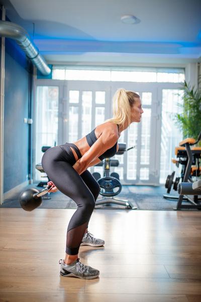 Фото №2 - 10 упражнений, которые помогут сжечь жир на животе за 10 минут в день