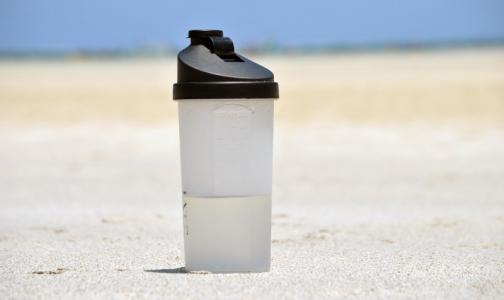 Фото №1 - Вода, квас или лимонад: какие напитки помогут пережить жару