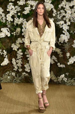 Фото №30 - Единое целое: как носить модные комбинезоны
