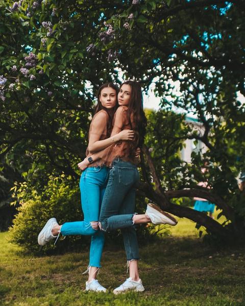Фото №3 - Как сейчас выглядят и живут близняшки Леденевы, которые чуть не умерли от анорексии