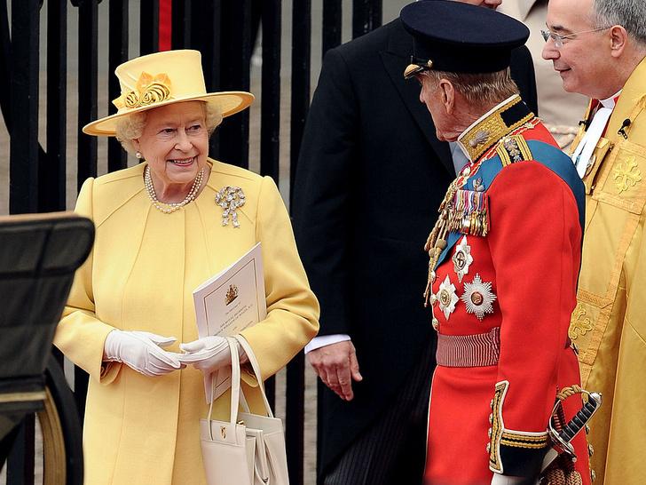 Фото №3 - Странный подход: чем Королева была недовольна на свадьбе Уильяма и Кейт