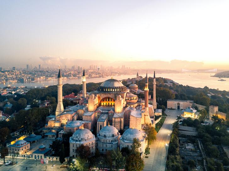 Фото №1 - Собор, мечеть, музей: полторы тысячи лет истории Святой Софии Константинопольской в занимательных фактах
