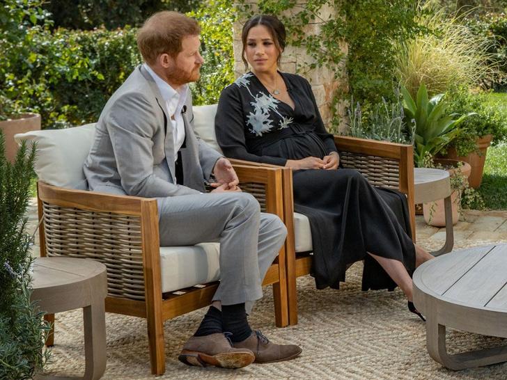 Фото №2 - Что и кому герцогиня Меган хотела сказать своим нарядом для интервью с Опрой
