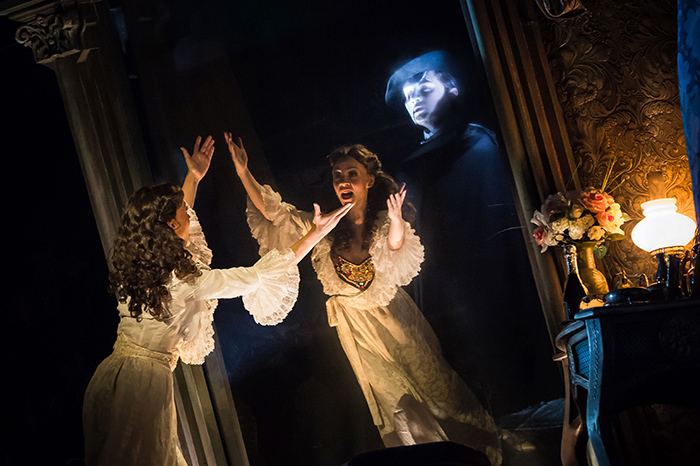Фото №1 - Мюзикл «Призрак оперы»: из Москвы в Париж