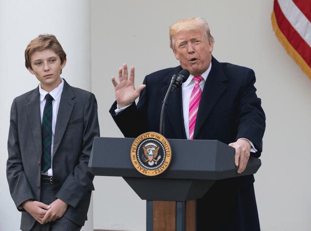 Фото №2 - Мелания Трамп на тропе войны: как первая леди защищает сына от нападок общественности